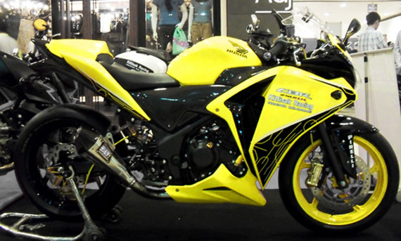 Wah, di negeri Gajah Putih, Thailand, modifikasi Honda CBR250R sudah